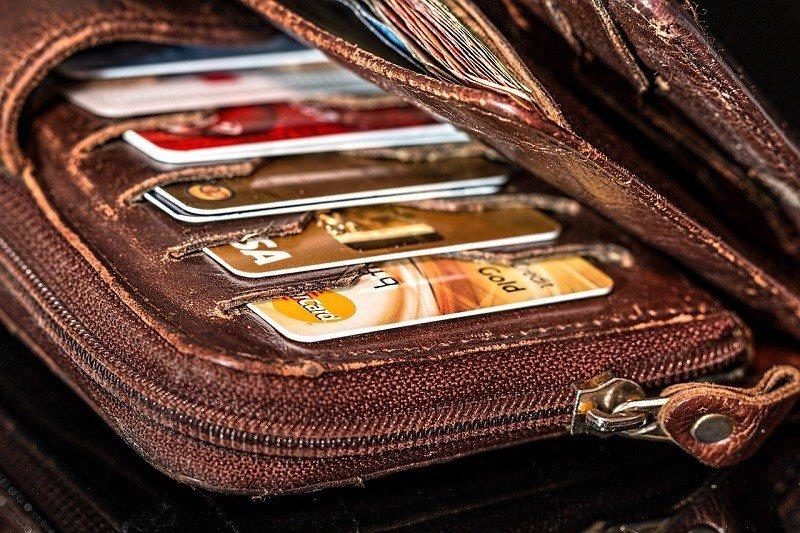 Płatność kartą jest możliwa w tanich taksówkach Eko Taxi