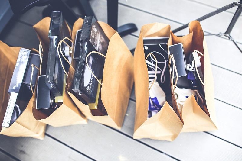 Zakupy na telefon to opcja oferowana w Eko Taxi Katowice